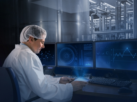 Industry 4.0 Food Safety & Quality People Image showing data management digitalisation